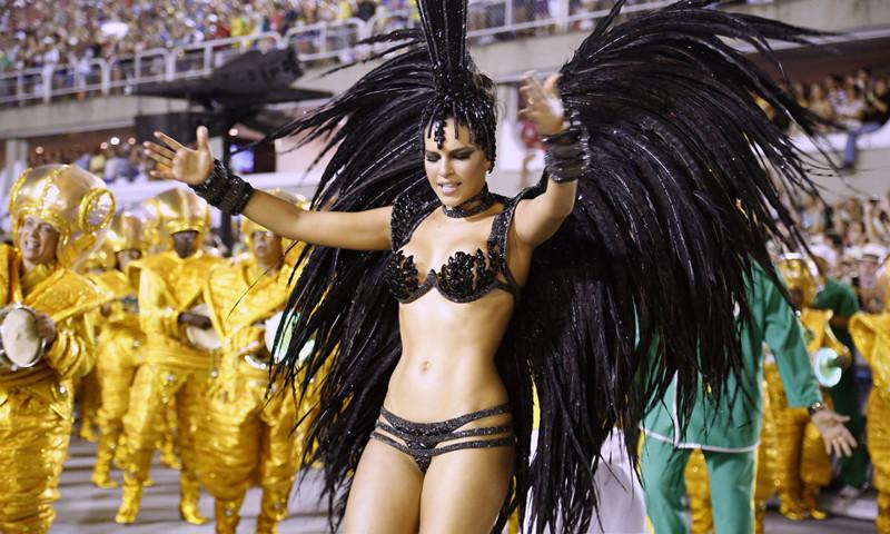 Зажигательные красотки с карнавала в Бразилии