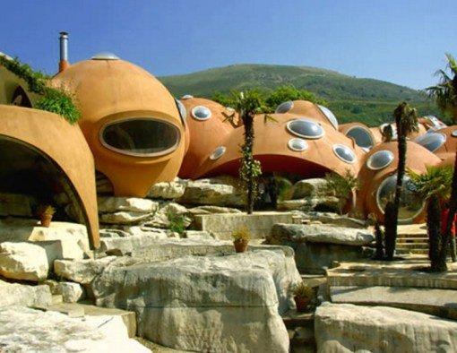 Странные туристические достопримечательности Франции