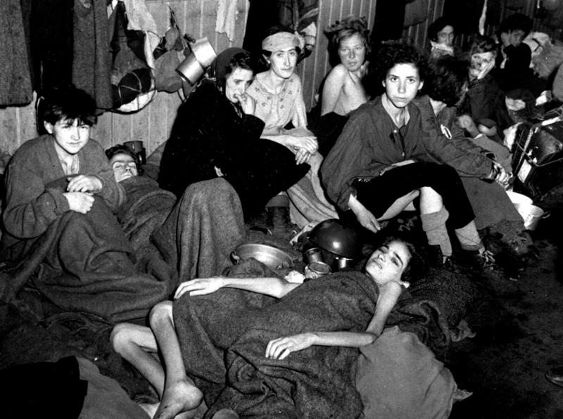 Фото людей в концлагере дахау голых женщин 93182 фотография