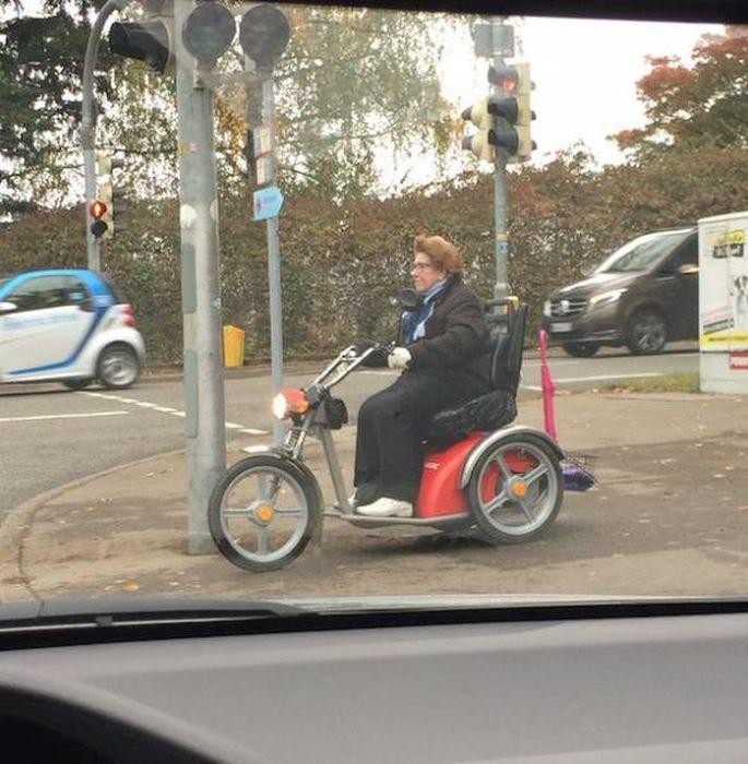 Пожилые люди, которые знают толк в веселье
