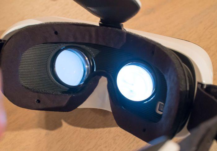 Симулятор секса на основе очков VR из Японии