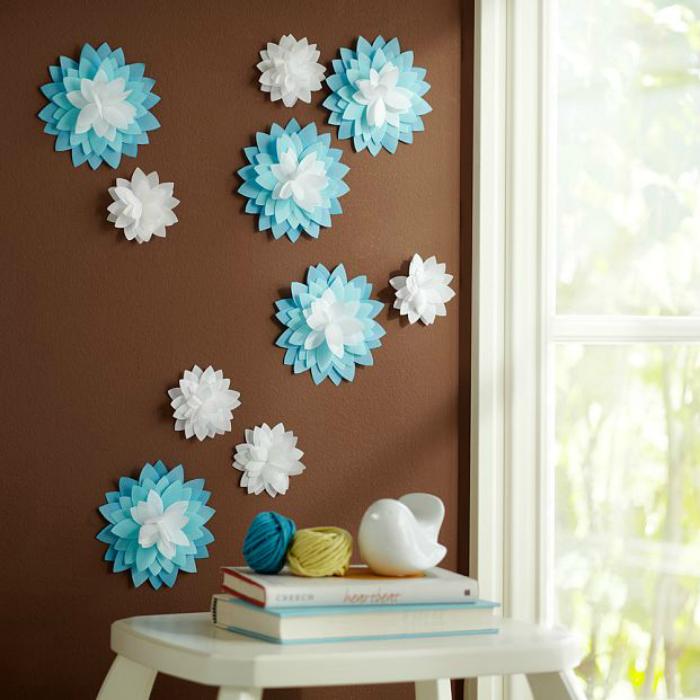 Бумажные цветы на стене фото