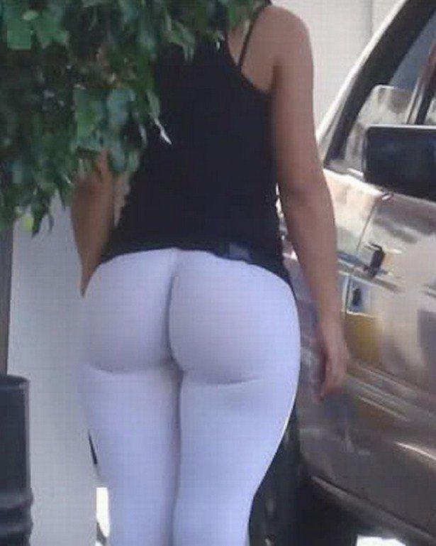 Красивые девушки в обтягивающих штанишках
