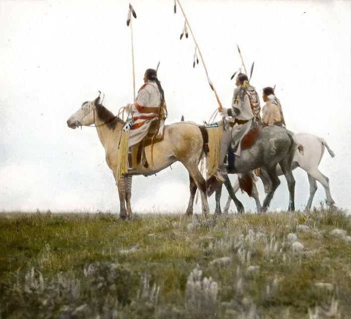 Редкие цветные фотографии коренных народов Северной Америки столетней давности