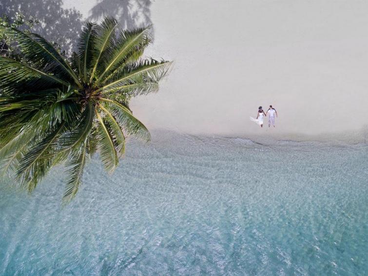 Фантастические свадебные фотографии, снятые дроном