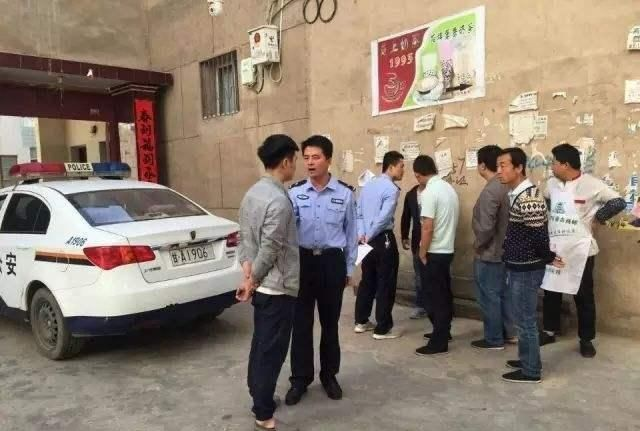 Полиция как следует отшлепала непослушных студентов