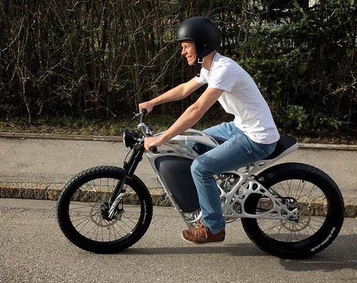 Электроцикл Light Rider, который частично напечатан на 3D-принтере