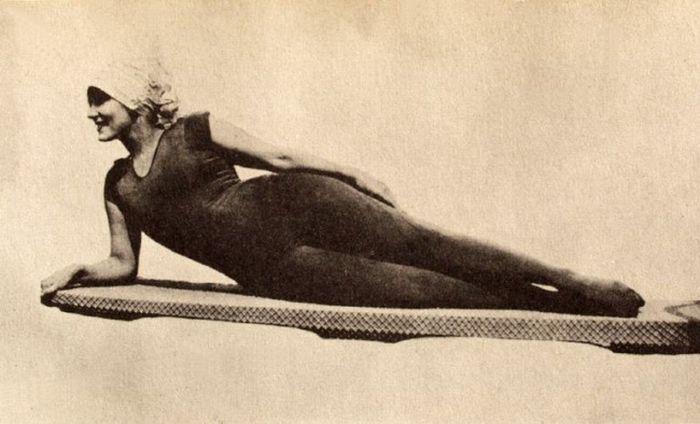 Эволюция женских купальников