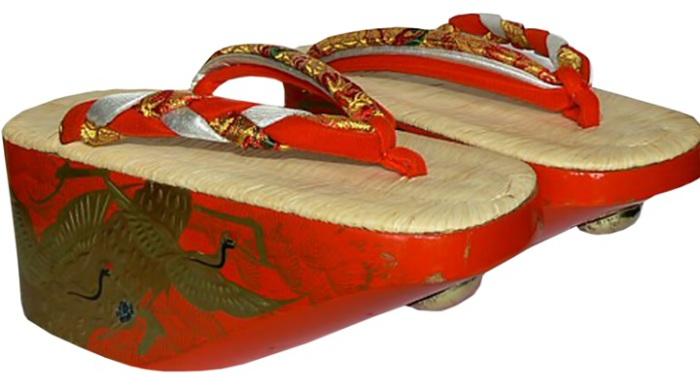 Обувь на платформе прошлых столетий