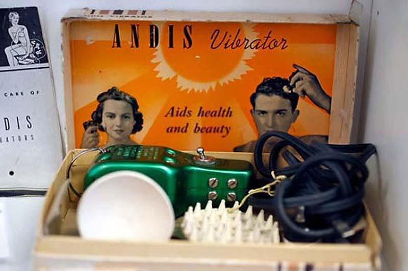 Mujeres al borde de la histeria: la historia del vibrador