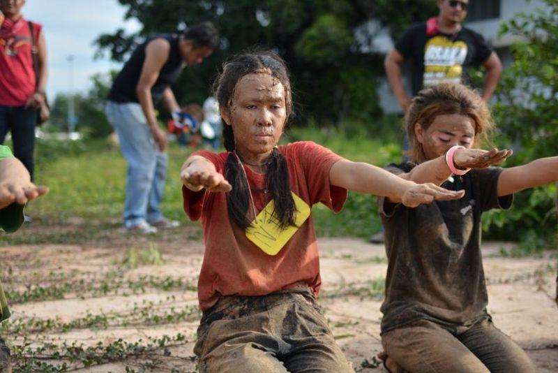 Посвящение тайских первокурсников в студенты