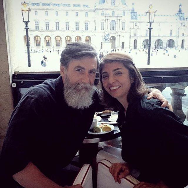 Стильный французский дед с пышной бородой