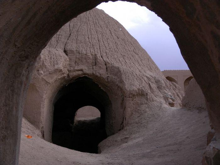Древние дома-ледники Ирана