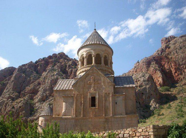 Странные и необычные достопримечательности в Армении