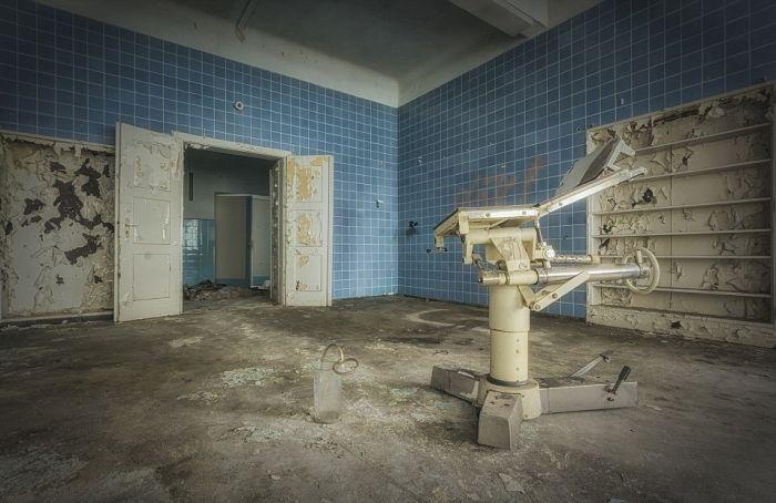 Заброшенные больницы Италии и Бельгии на фото Стефана Бауманна