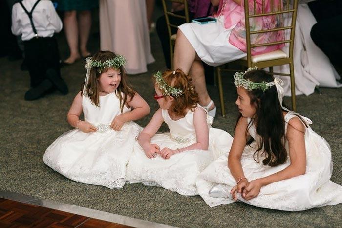 Учитель детей с синдромом Дауна пригласила весь класс к себе на свадьбу