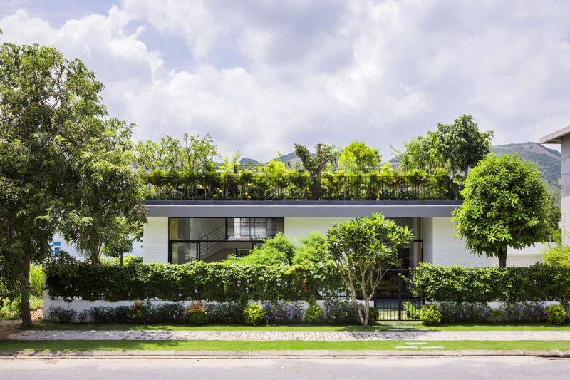 Дом с садом на крыше во Вьетнаме