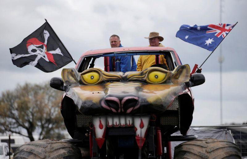 Грязный отдых австралийской деревенщины на фестивале Deni Ute Muster