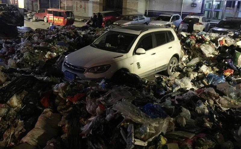 Наказание за неправильную парковку от китайских мусорщиков