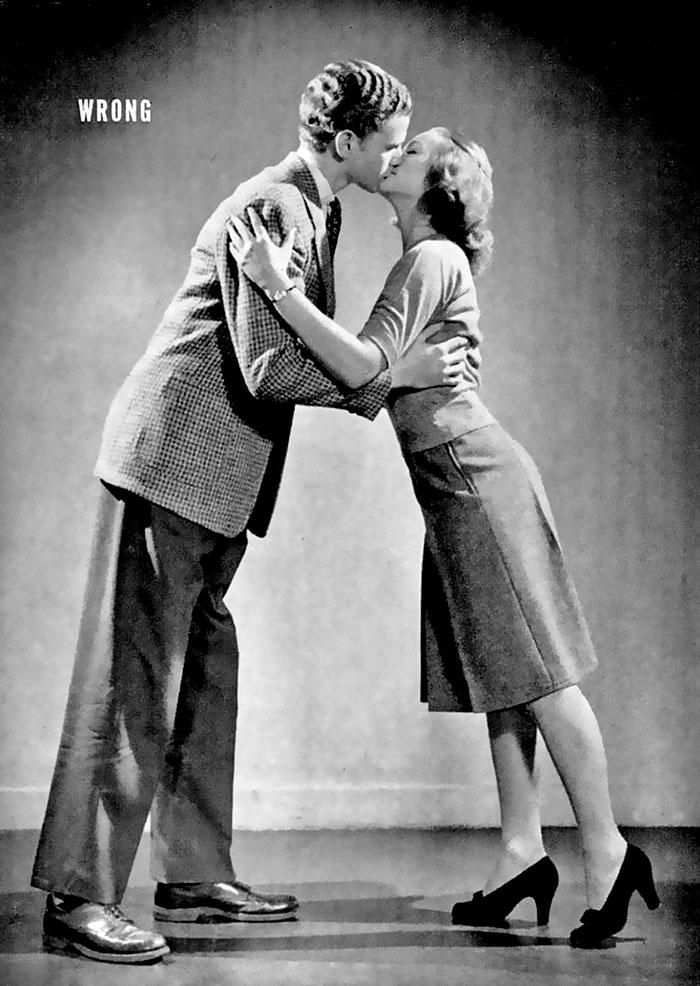 Пособие 1940-х учит правильно целоваться