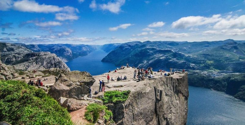 Необычная кафедра проповедника в Норвегии