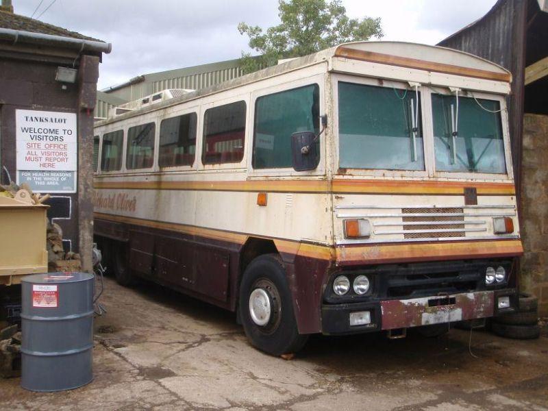 Автобус Маргарет Тэтчер, может выдержать взрыв бомбы и химическую атаку