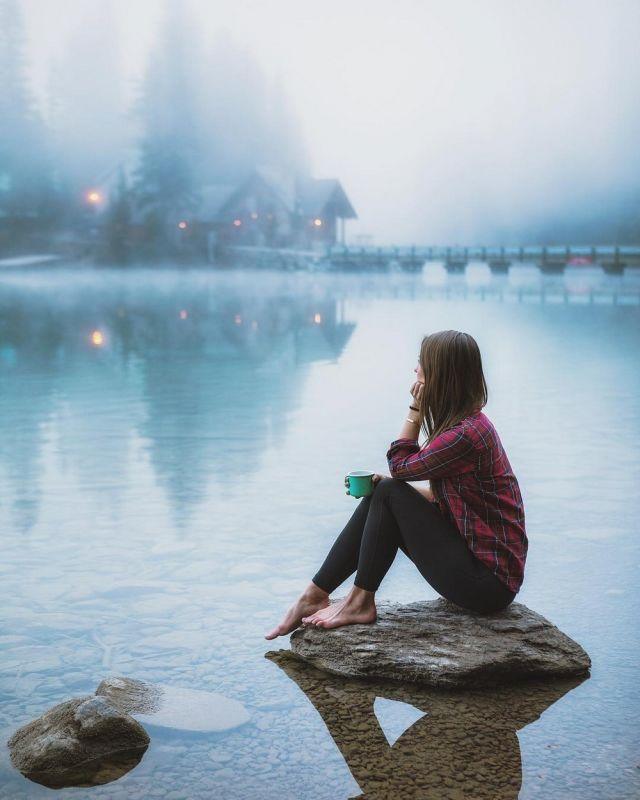 Изумрудная вода озера Эмералд