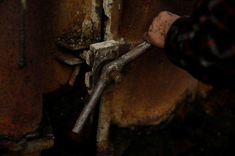 Как делают древесный уголь в горном лесу Польши