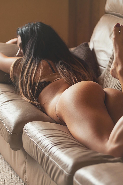 Красивые девушки: вид сзади