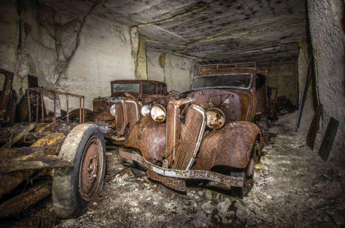 Во Франции нашли спрятанные от нацистов довоенные авто