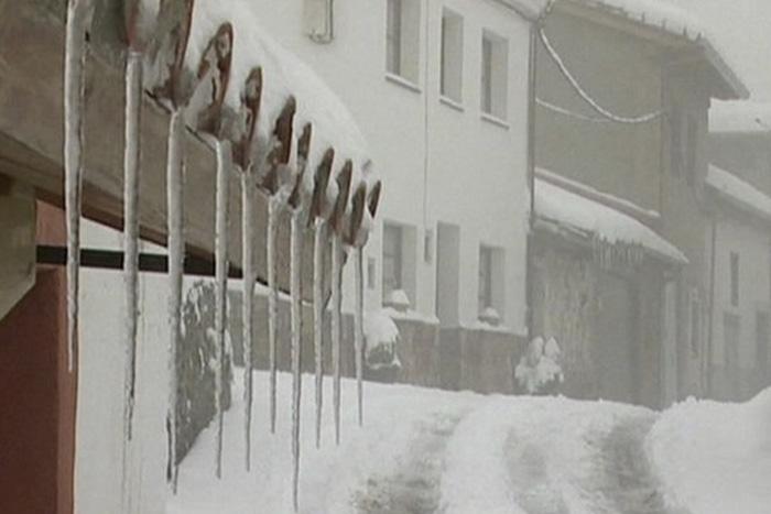 Аномальный мороз: откуда появляется снег в пустынях