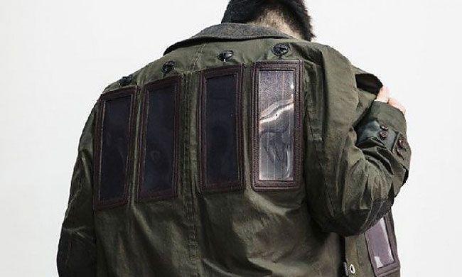 Японский дизайнер создал плащ-зарядку