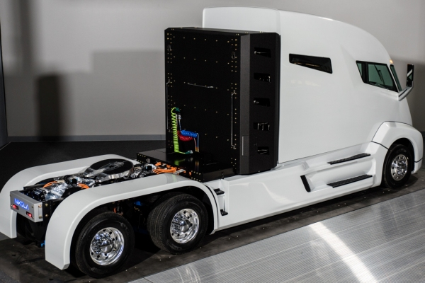 Nikola Motor представила 1000-сильную фуру на водороде