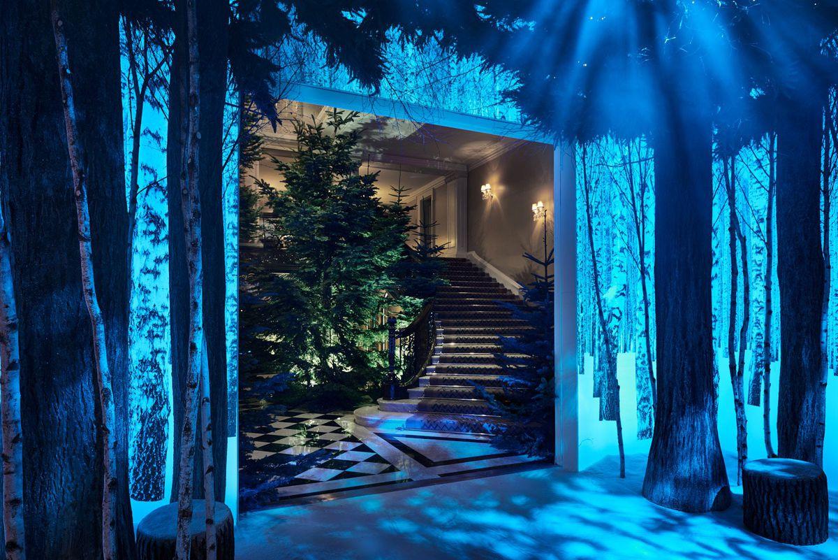 Дизайнеры Apple преобразили лондонский отель к Рождеству