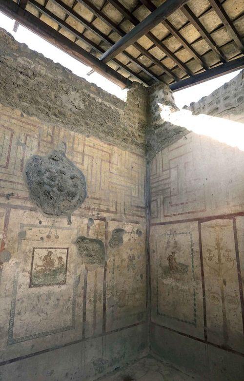 Эротические фрески на стенах в Помпеи