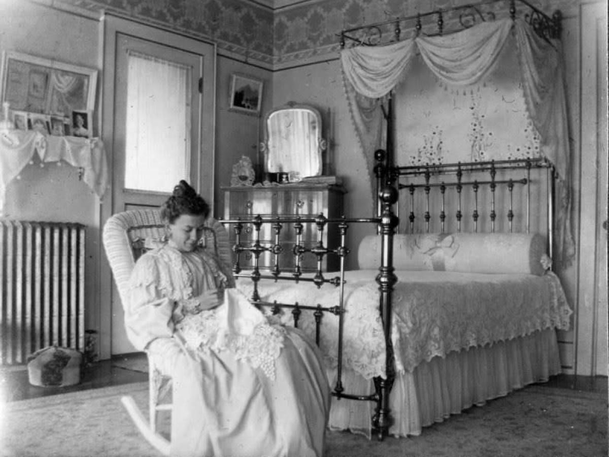 Советы беременным женщинам прошлого: от просто нелепых до вредных