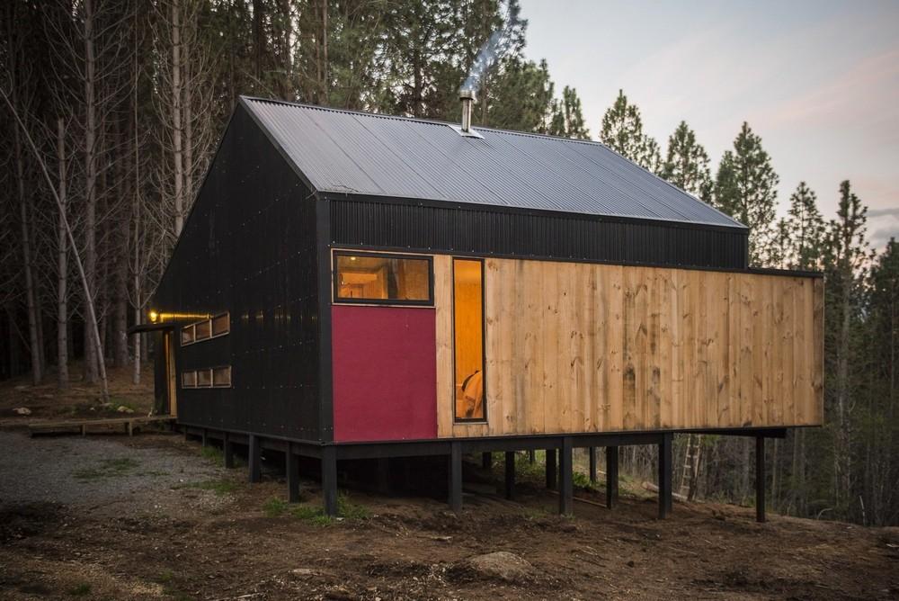 Загородный дом на берегу реки в чилийской Патагонии