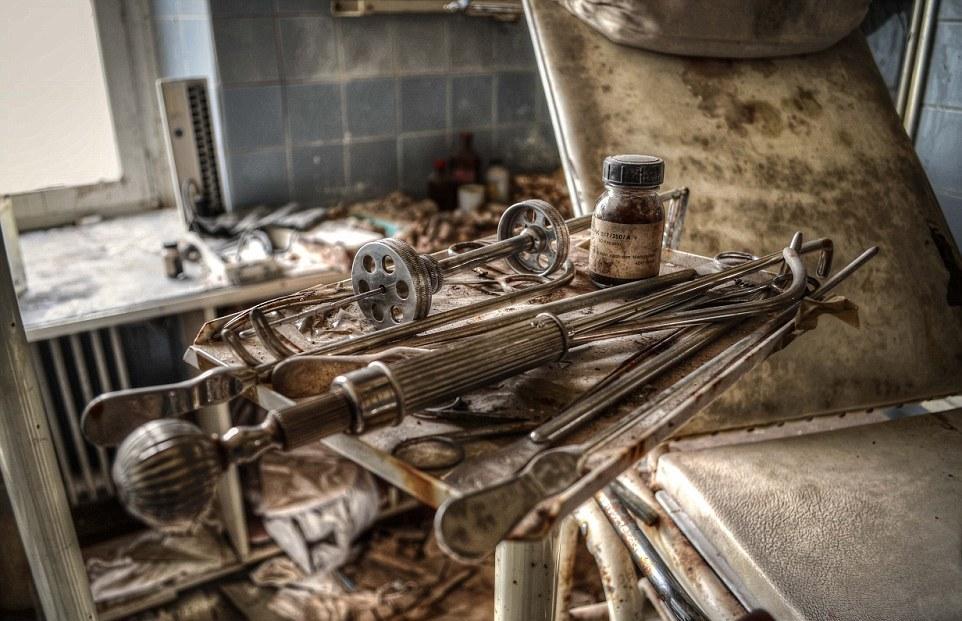 Жутковатый заброшенный дом врача в Германии