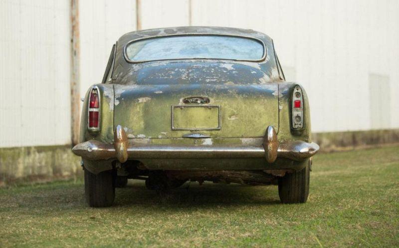 Aston Martin, простоявший полвека в лесу, будет продан с аукциона