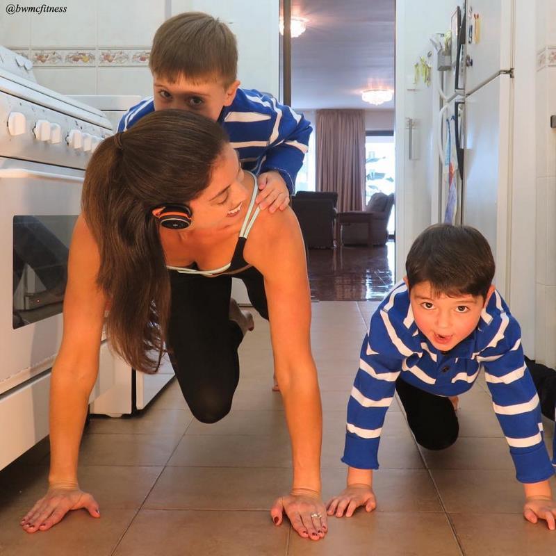 Дженнифер Гельман — мама, тренирующаяся на кухне