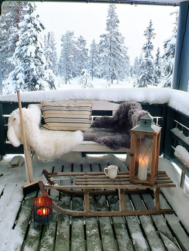 20 ідей, як прикрасити балкон до Нового року