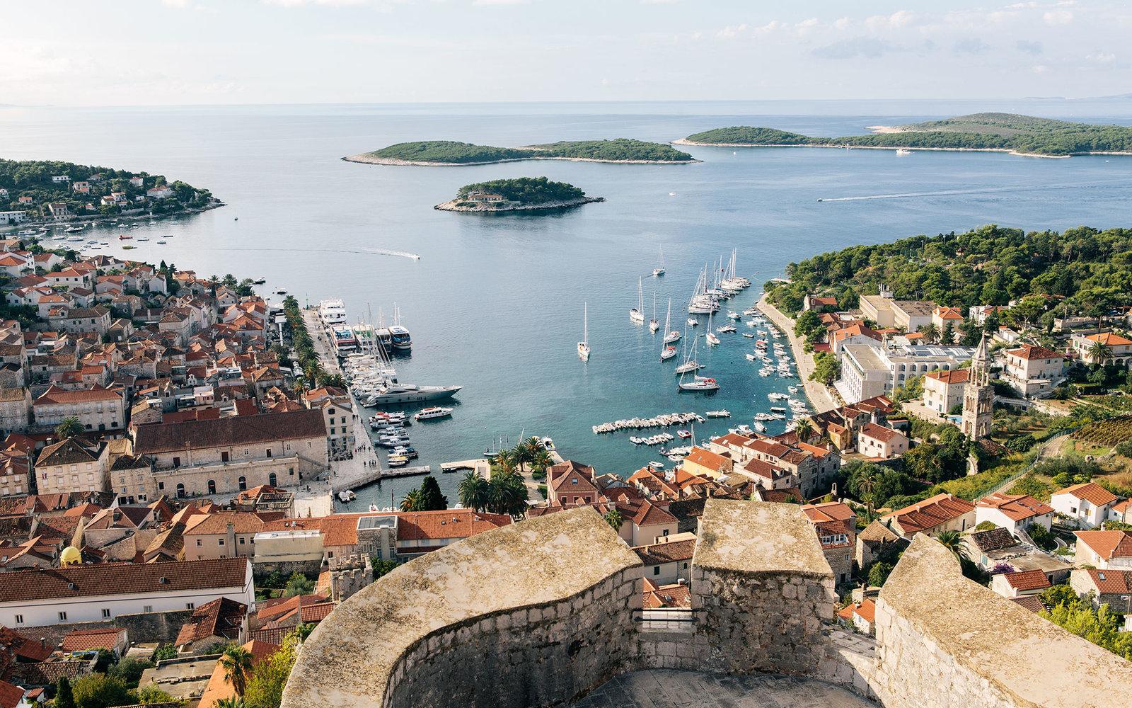 10 популярных, интересных и красивых островов Европы