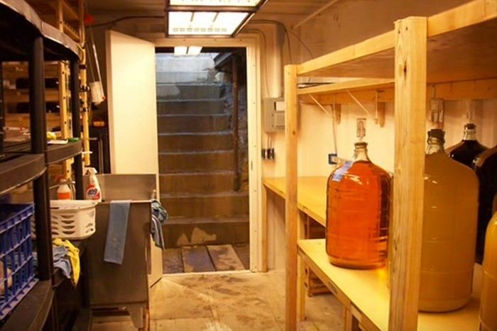 Подземное убежище из транспортного контейнера