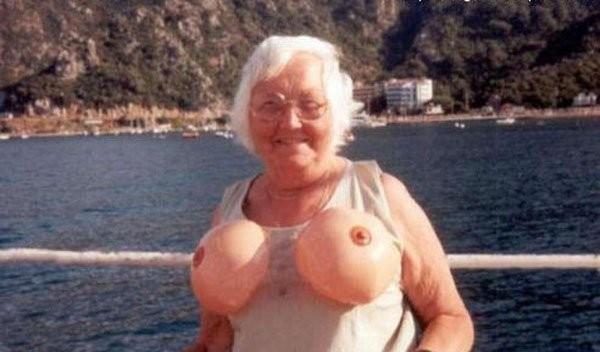 Бабушки голые и смешные фото 83464 фотография