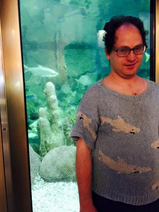 Самое необычное хобби: свитеры на все случаи жизни