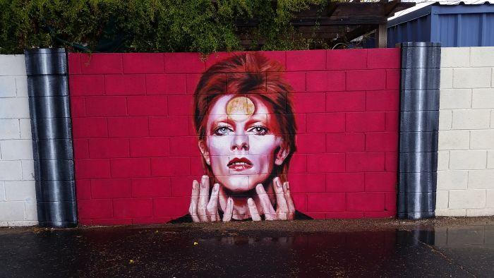 Стена памяти Дэвида Боуи в Аризоне