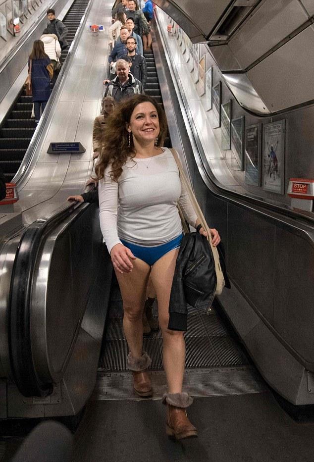 В метро без штанов 2017