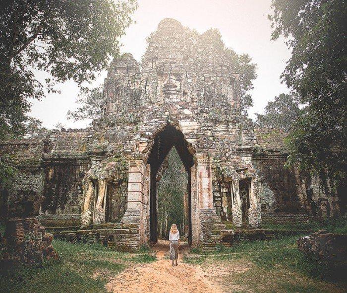 Девушка работала на 4 работах, чтобы отправиться в путешествие по миру