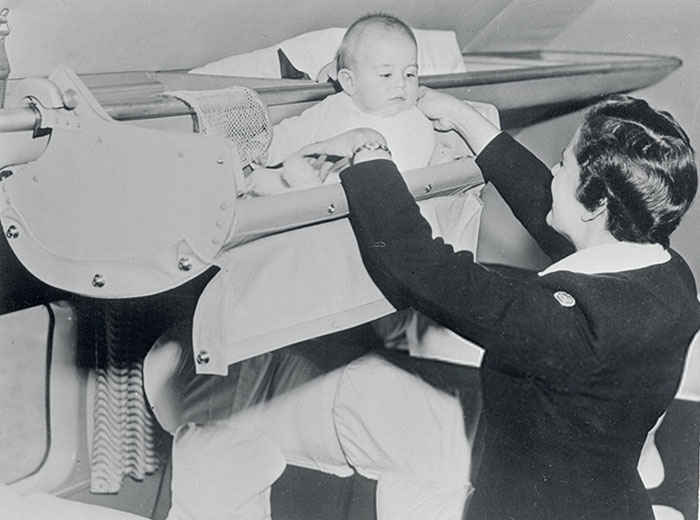 Как младенцы летали на самолётах 60 лет назад