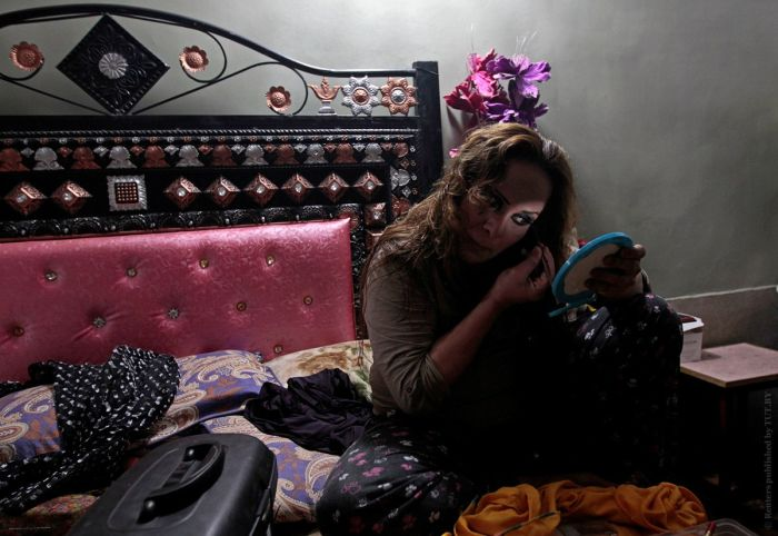 Закрытая вечеринка трансгендеров в Пакистане